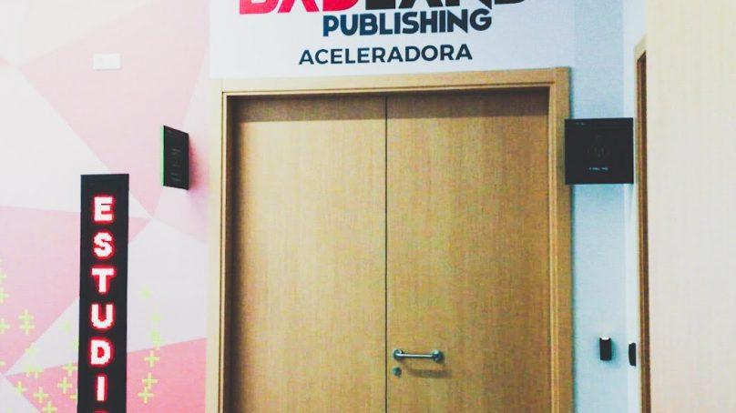 El ayuntamiento de Málaga y Badland Publishing firman un convenio para la puesta en marcha de una aceleradora para videojuegos